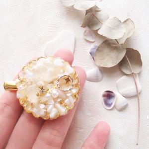 【UVレジン作り方】貝殻とオパライトのヘアクリップの作り方