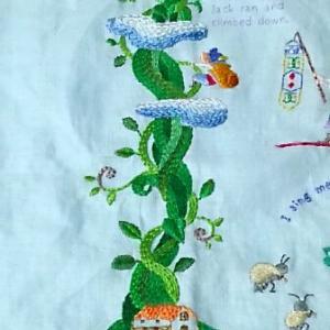 季節の童話タペストリー『ジャックと豆の木』28号分できました。