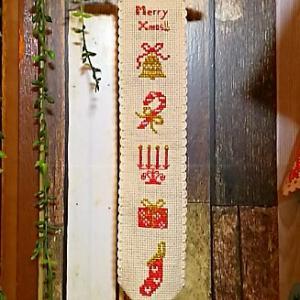 北欧モチーフのクリスマスタペストリーが出来ました。