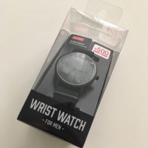 【ダイソー】500円!真っ黒な腕時計