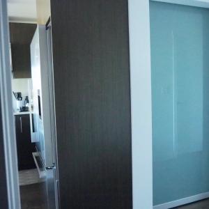 【WEB内覧会】4畳以下の寝室にクイーンベッドを置いてもスッキリ見える仕掛けとは?
