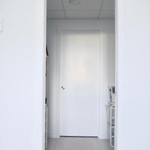【WEB内覧会】MAWAハンガー 無印の小物ケース IKEAの引き出しでクローゼットをスッキリ片づけ PART1