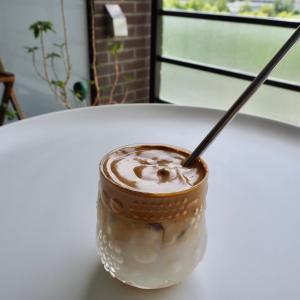 おうちカフェのマンネリ打破!夏にも最適。超簡単で話題のコーヒー作ってみたよ。