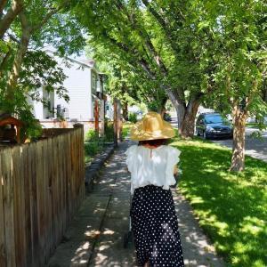 【30代ファッション】夏の日差しから頭皮を守りたい。初めて買ったつば広帽子が使える理由。