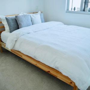 ショック!上質リネンの枕カバーが1年半で穴だらけ。洗濯で気をつけたい3つのポイント。