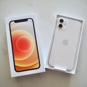 iPhone 12miniが最高に手に馴染む!ケースは超シンプルに。7plusから買い替え。