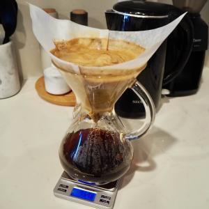 朝作ったドリップコーヒーを温かいまま夜まで楽しむわが家の方法。