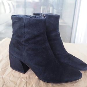 スエード靴のお手入れは難しい?という思い込みを払拭。意外と簡単にできる!