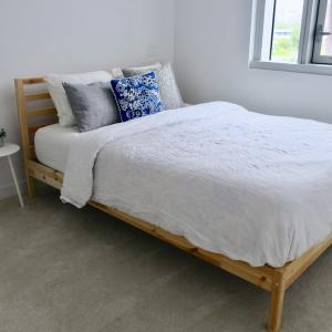【WEB内覧会】主寝室に家具を入れました!狭くなってもスッキリ見せるコツ。