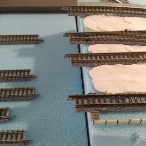 駅の土台作りとホーム端の加工