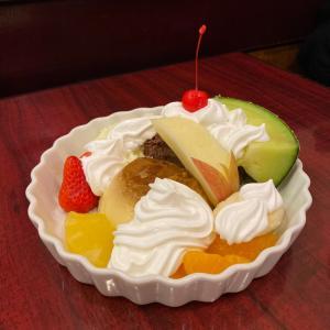 尼崎中央商店街でも昭和レトロなパーラー♪『ラ・セーヌ』でプリンアラモード・・阪神尼崎