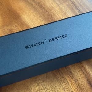 Apple Watch Hermes Series5 ブラック 発売当初予約から届くまでの日数は?