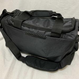 軽量スポーツ・ビジネス兼用ショルダーバック 色:ブラック 収納ポケット追加タイプ#9004