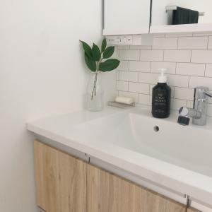 洗面所改造計画|壁紙シールで気分を変える