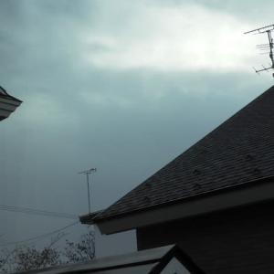 雨上がり 出窓から
