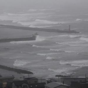 """台風17号崩れの""""温帯低気圧""""通過中..."""