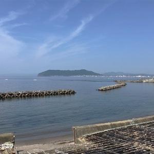 """函館山を背に""""コンブ漁""""..."""