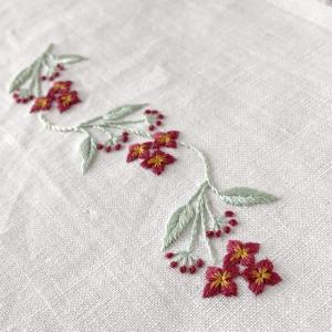 白檀の花刺繍