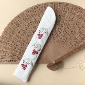 白檀扇のための白檀の花刺繍扇子ケース