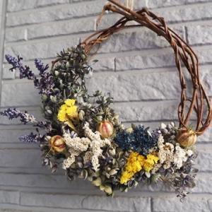 紫陽花でリース作り