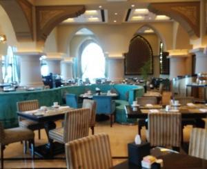 UAE旅行記-6- 快楽の超豪華ビュッフェ「ソフラbld」