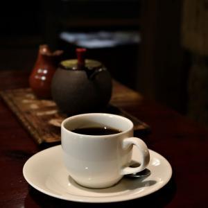 優しい灯りの下で、時間の流れが止まるようだ。盛岡「一茶寮」