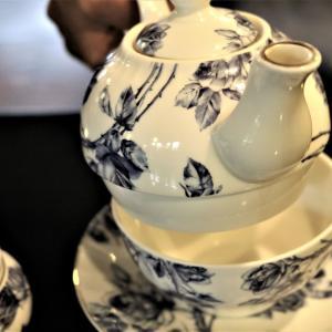 ある紳士と紅茶を飲みながら<盛岡市、通称「桜山」の「リーべ」にて>
