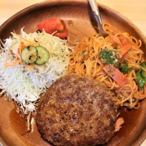 プラチナポーク「白金豚」の直営店「ポパイ」で、「ハンバーグとスパゲティ」