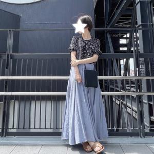 ほんのりツヤが高見えなスカートと最近お気に入りのミニショルダー