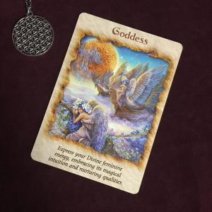 カードメッセージ:今というとき、あなたの中の女神を大切に