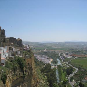 スペイン・アンダルシア地方 白い村 高台のパラドール