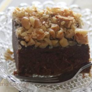 チョコレート・ナッツ・デーツ ケーキ