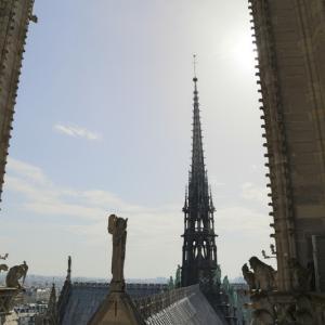 ノートルダム大聖堂の尖塔は元の姿に!(塔の上からの眺め:その2)2018年4月パリ3日目午前