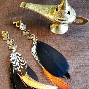魔法のランプと羽のイヤリング