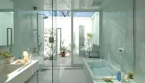 これには透明感があるが、自分が住むのにはやっぱり普通の家がいい!!
