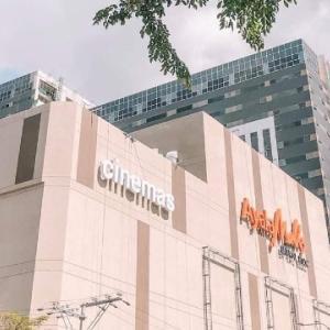 そこに店は必要ない。新アヤラオープンに群がるフィリピン人