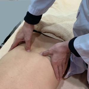 肩こり以外に、腰痛にも効果あり!ツボ打ち注射が人気。