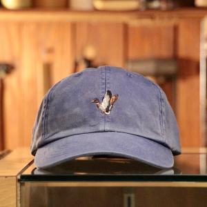 """飾りじゃないのね帽子は """"FILSON LOW-PROFILE CAP"""""""