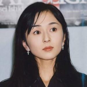 小松みゆきさん、おめでとうございます! 49歳、待望の第1子出産報告。