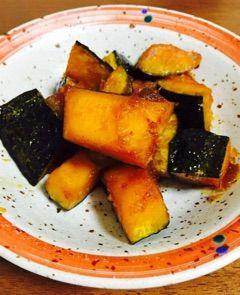 カボチャの揚げ煮と園児の手作りプレゼント