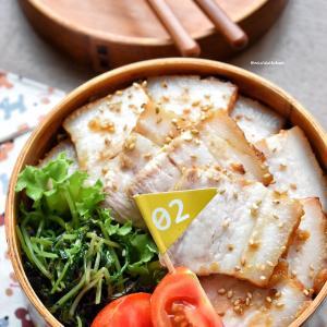 【2品弁当】♡焼豚丼♡豆苗の塩昆布漬け♡レシピあり♡