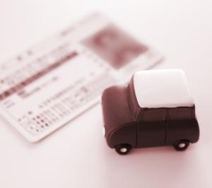 親の運転免許返納は、生活困難と介護のはじまりだから