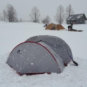 ギリギリの雪中キャンプより