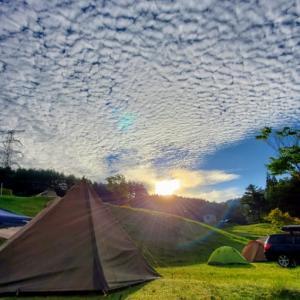 良い天気のキャンプ場より