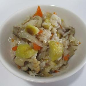 栗ご飯にマイタケを加えて秋の味覚「おこわ風」炊き込みご飯