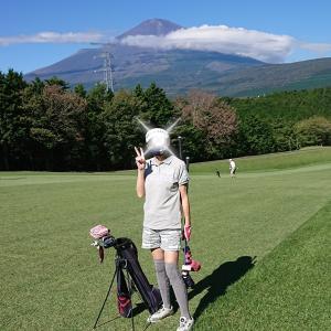 富士山も綺麗な秋晴れラウンド