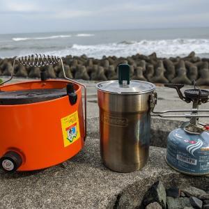 砂浜で鍋焼カレーうどん(+ビーチチェア)