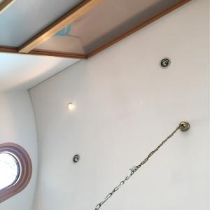 めっちゃ高い天井の電球交換、どうします??