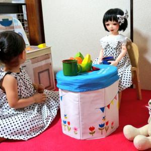 お人形用と人間用と、誰か用。