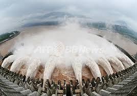 中国、三峡ダム決壊の恐れ